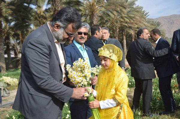 خفر رتبه اول استانی در کشت گل نرگس