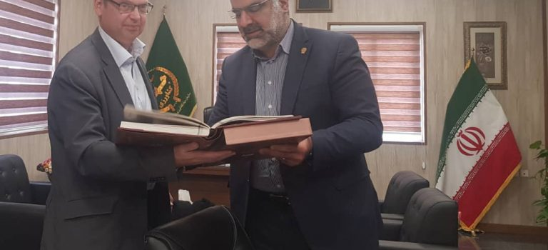 دیدار نماینده فائو در جمهوری اسلامی ایران با رئیس سازمان جهاد کشاورزی فارس